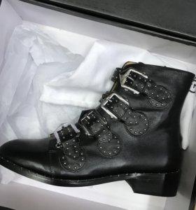 Ботинки Живанши