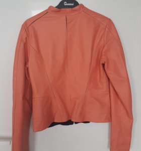 Новая куртка кожанная женская