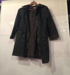 Джинсовое пальто с капюшоном