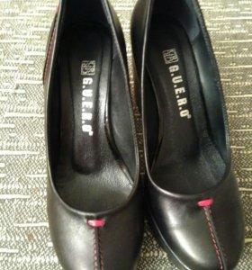 Туфли женские черные кожаные 34 размер новые