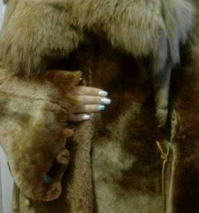 Полушубок, музон с воротником из лисы
