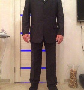 """Итальянский мужской костюм """"Cerruti"""""""