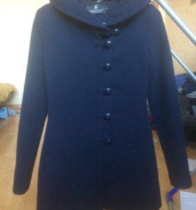 Пальто новое 42р