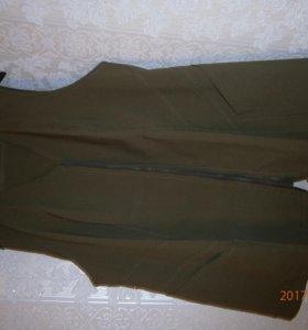 костюм ( жилетка и брюки)