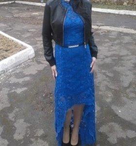 Платье фабричное было одето один раз брала 3500