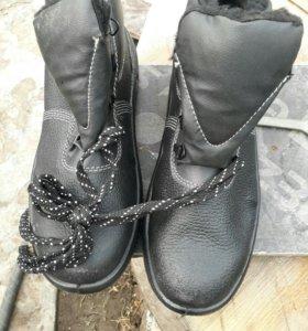Обувь для работы новые.