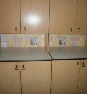 Кухонные шкаф (остался один)