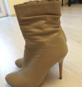 Ботинки женские кожаные 36 р