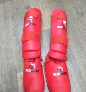 Защита для ног (красная)