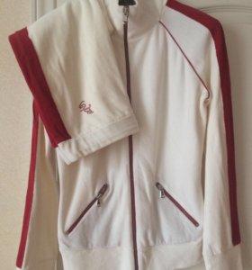 Спортивный костюм с бриджами