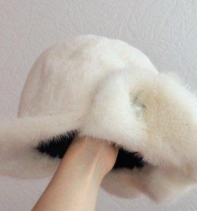 Белая норковая шапка (щипанная норка)