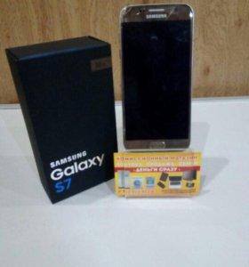 Смартфон Samsung S7