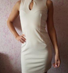 Платье молочный цвет