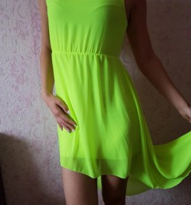 Платье, цвет салатовый