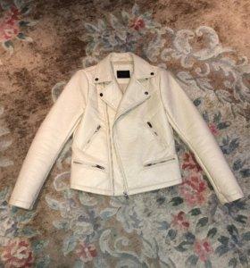 Кожаная куртка ZARA в байкерском стиле