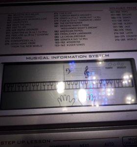 Casio LK-270 синтезатор