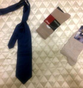 новый итальянский галстук в подарок носки