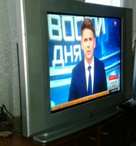 Телевизор LG плоский экран 72см.