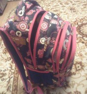 Рюкзак школьный, для девочки.