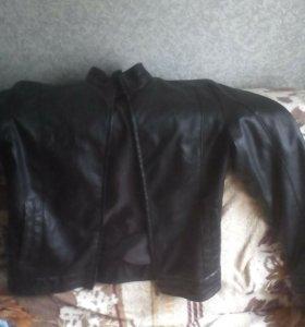 Куртка коженая новая