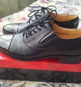 Туфли/ботинки/полуботинки кожаные. р-р 40 новые