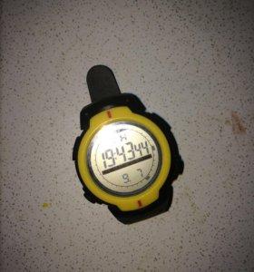 Часы спортивные б/у, с секундомером.