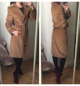 Стильное осеннее пальто