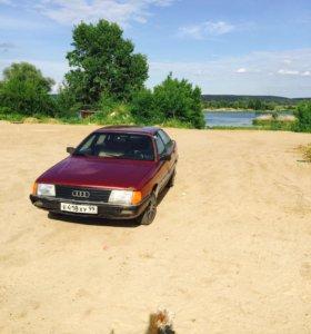 Audi 100. 1987 год. 2.2 л. 137л.с.