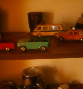 Машинки железные!