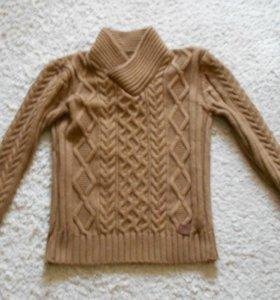 Отличный свитер из натур.шерсти.