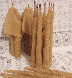 Свечи из вощины с травами.