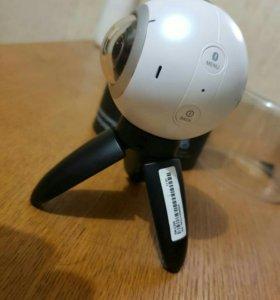Камера Gear 360