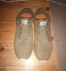 Продам кроссовки из Cropp town