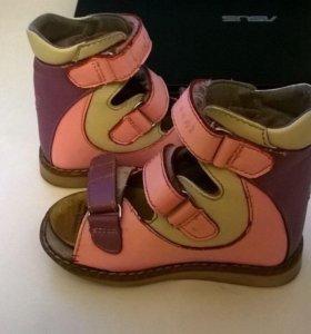 Ортопедические сандалии 24 размер