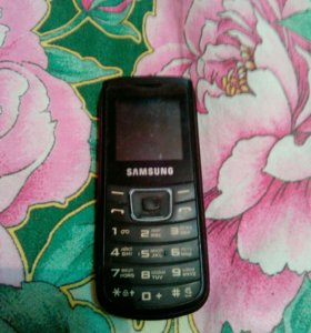 Телефон Samsung.