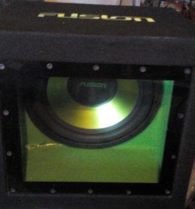 Сабвуфер Fusion с подсветкой зеленой
