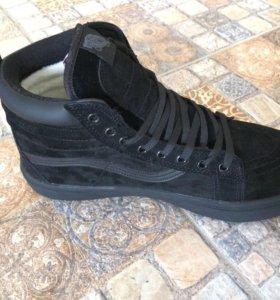 Новые мужские тёплые кроссовки