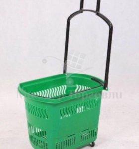 Корзина пластиковая на колесиках с длинной ручкой