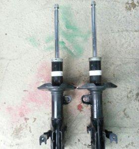 Амортизаторы передние Honda Stepwgn RG2