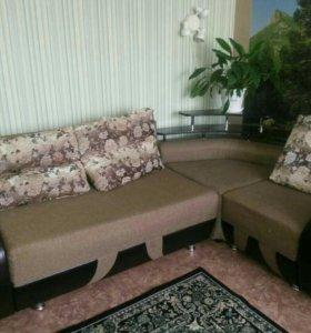 Угловой диван, кресло кровать.