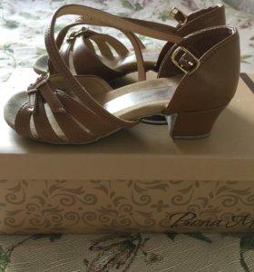 Туфли для танцев на девочку