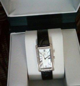 Женские серебряные часы Ника