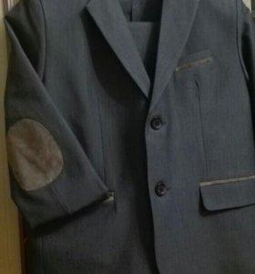 Школьная форма, костюм. Однотонные рубашки новые