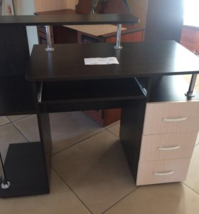 Компьютерный стол новый