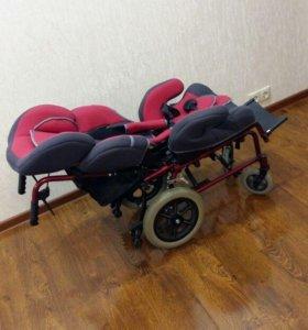 Кресло - коляска для детей с дцп