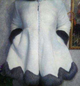 Белая исскуственая шубка