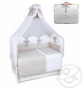 Детская кроватка комплект
