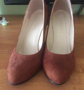 Туфли замшевые с замочками