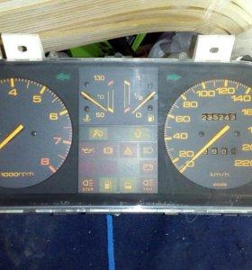 Панель приборов Mazda 626