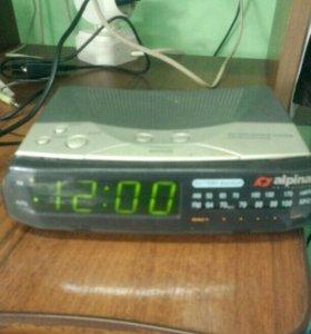 Электронный будильник с радио